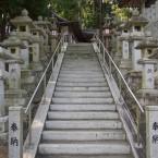 拝殿に続く階段