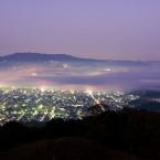朝霧と生駒山