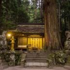 夕暮れの室生龍穴神社