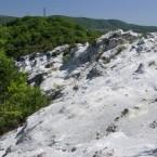 白い凝灰岩